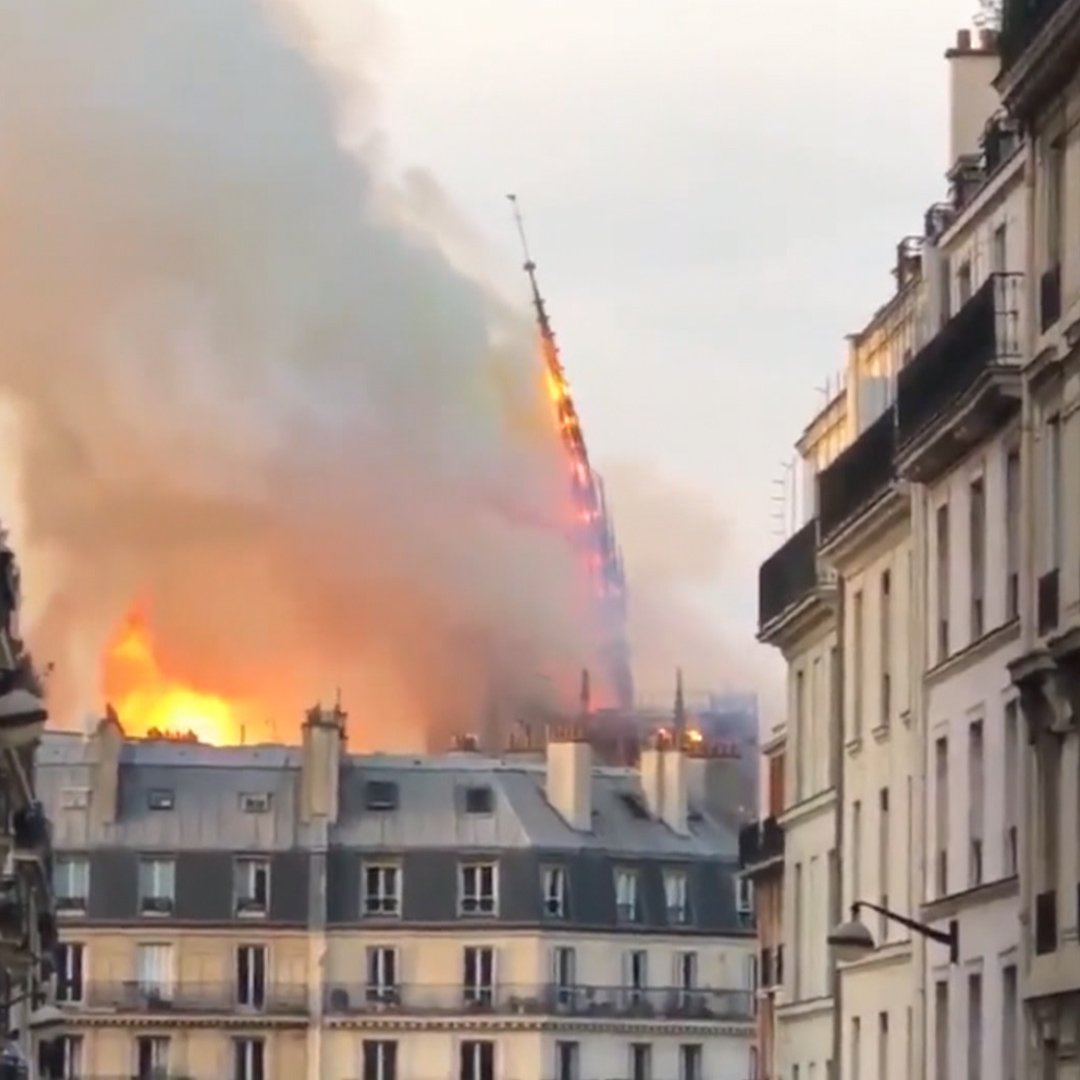 Huge fire breaks out in Paris' famous Notre Dame cathedral https://t.co/1VcCei95e2 https://t.co/OxZyHVIiWq