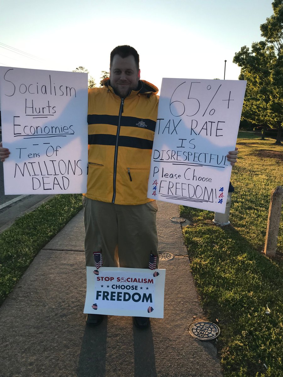 At street corners and rallies across America, #TeaParty activists are spreading the message that #Socialism is a danger to our nation.  #TeaParty10 #StopSocialismChooseFreedom <br>http://pic.twitter.com/zPtBm1iQaK