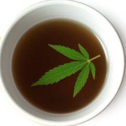 Time to get oily! Great #edible recipe for #marijuana cooking oil https://t.co/zNSCOFZ2KN https://t.co/0g2hmXvbu5
