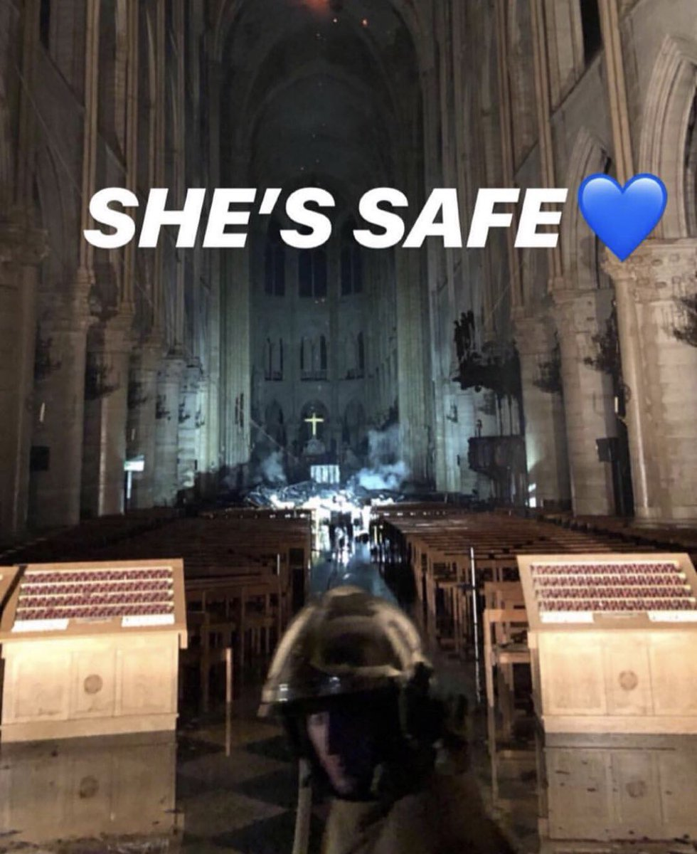 She's safe now 🙏🏼 #notredameparis #notredame #paris #ParisNotreDame #نوتردام_تحترق