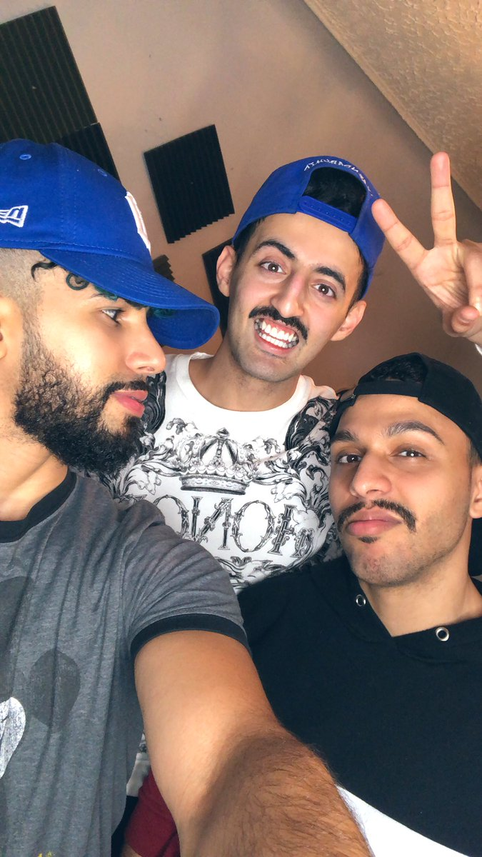 The Roast of Slim and Nakeeb  They look like they came straight outta Yemen!!  Are we back in the 80s? Mario and Luigi!! Hitler and his nephew  Borat and Ali G Why they got 3 eyebrows tho ?? Are y'all hiring at Halal Guys ?  @SlimmySlim94 @MoNakeeb