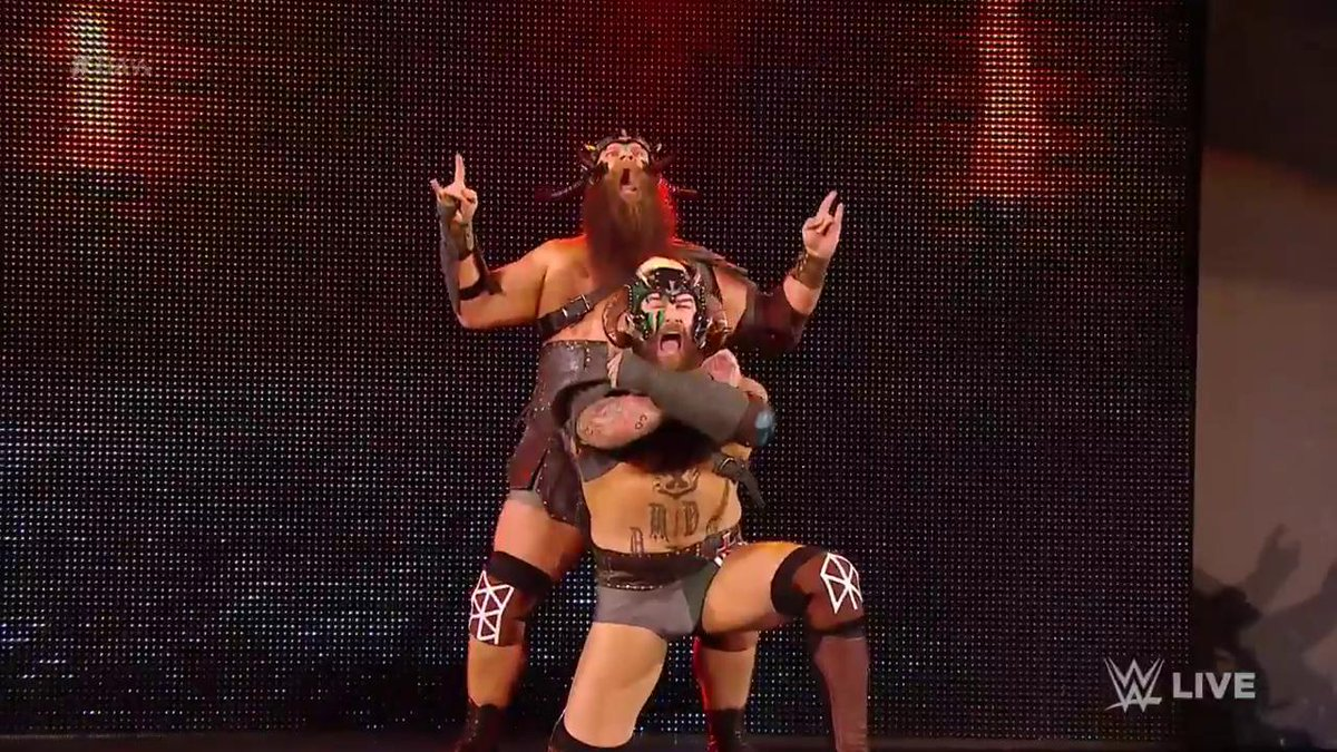 IVAR. ERIK. The reigning @WWENXT #TagTeamChampions THE VIKING EXPERIENCE is here on #RAW! #SuperstarShakeUp https://t.co/IDiiKhRKgB