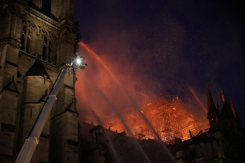 MORE: All efforts are being directed at saving the artwork at the back the cathedral: Firefighter at Notre-Dame https://reut.rs/2KElZwZ