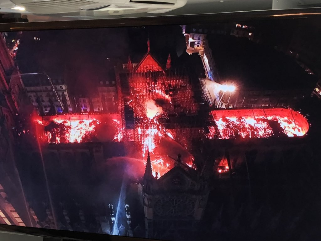 Notre Dame fire: saving cathedral 'not certain' say French authorities – live news - The Guardian 3