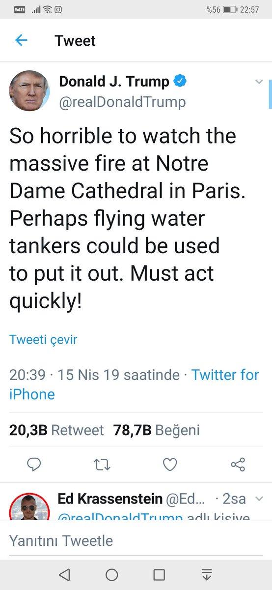 """Donald Trump Notre Dame Katedrali yangını için twit atıyor ve alevleri söndürmek için """"havadan su atın ama çabuk olun"""" diyor. Bir Fransız """"hiç aklımıza gelmedi, biz üflüyorduk, bize öğret"""" derken, Amerikalı cevap veriyor: """"çok özür dileriz, birazdan yatağına götürüp uyutacağız""""😀"""