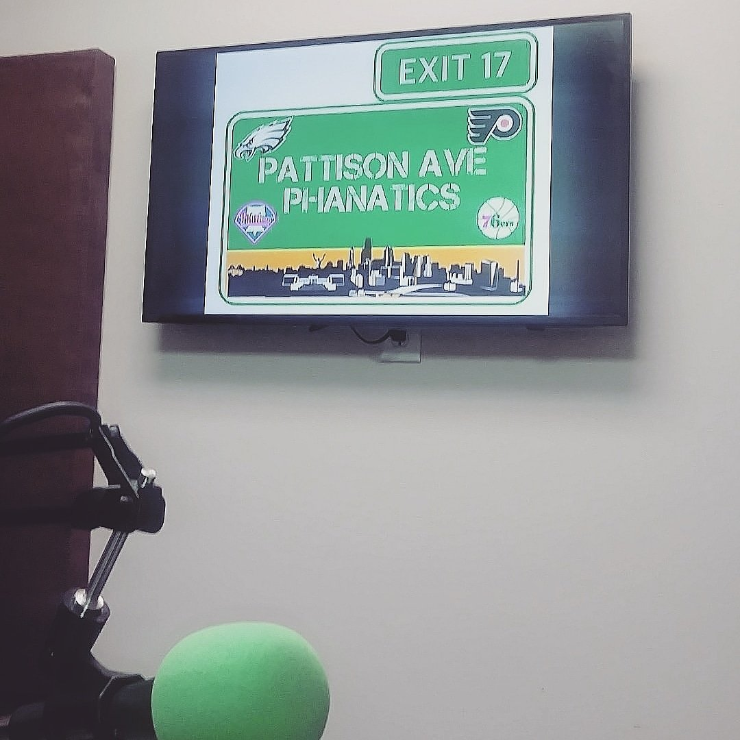 It's Monday! You know what that means! The Pattison Ave Phanatics Show is live tonight on @wildfire_radio at 9:15 on stream 1! #MVPMondays #catchwildfire #paveph215 #philly4for4 #phillypodcasters #podernfamily #podcasts #podcaster #podcasters #pod #podcast