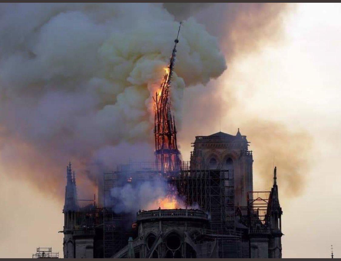 💔#NotreDame #Paris