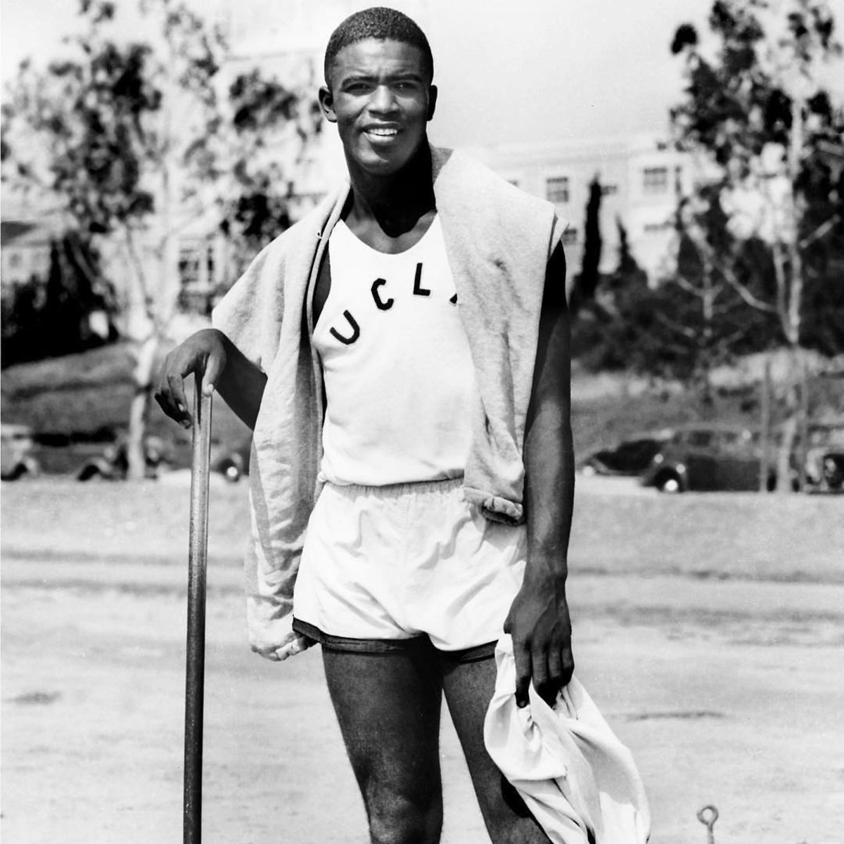 Jackie Robinson won the 1940 NCAA long jump title and continued to jump over barriers to change sports and the country forever. Today we celebrate #JackieRobinsonDay #Jackie42<br>http://pic.twitter.com/HbWnjrbNXD