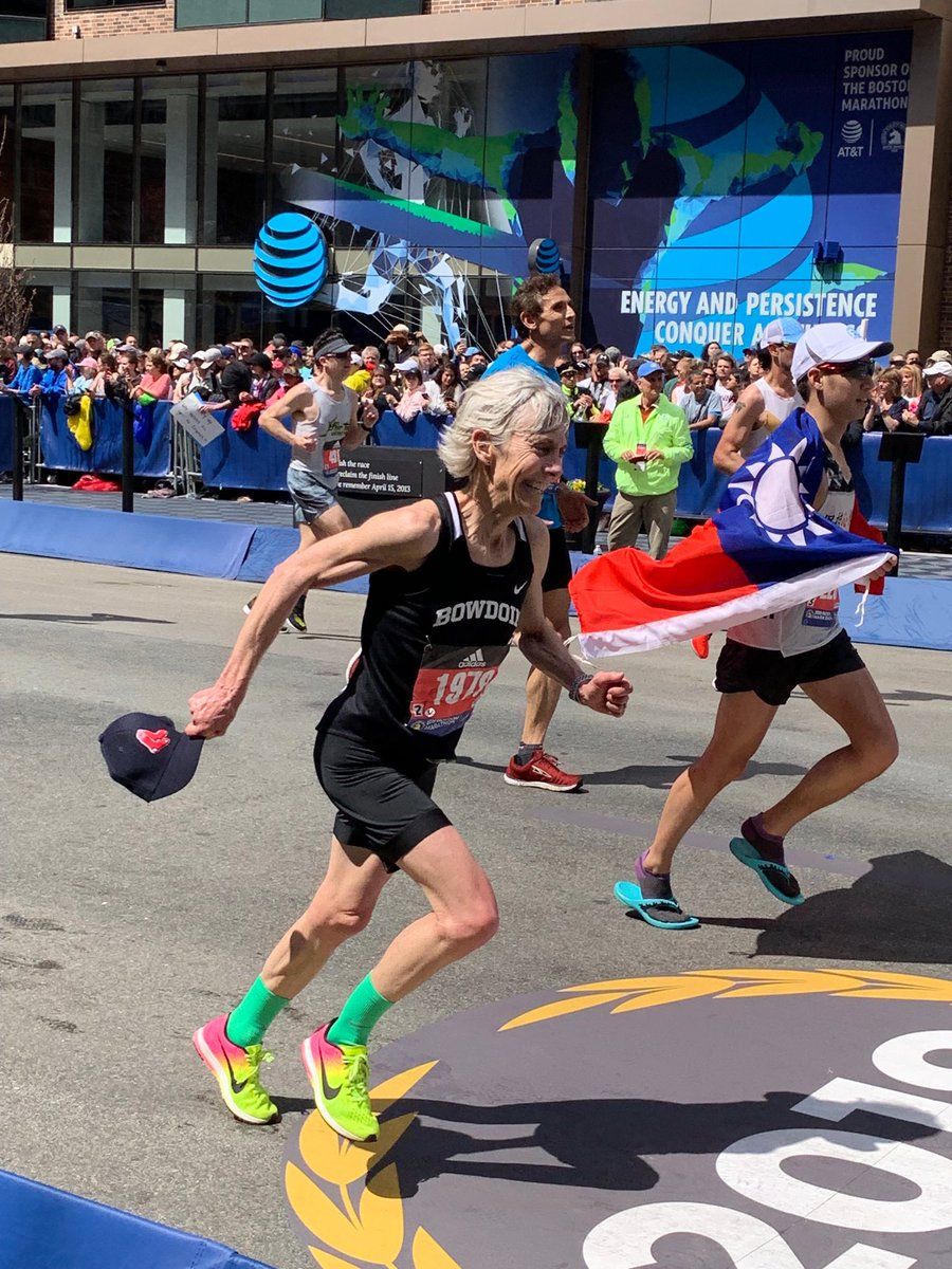 A beautiful day at the 123rd Boston Marathon,especially for Joan Benoit Samuelson. Congratulations to all the runners who made this day special . ⁦⁦@ChiefJoeFinn⁩ ⁦@LOCAL_718⁩ @baa<br>http://pic.twitter.com/WyGedYbztN