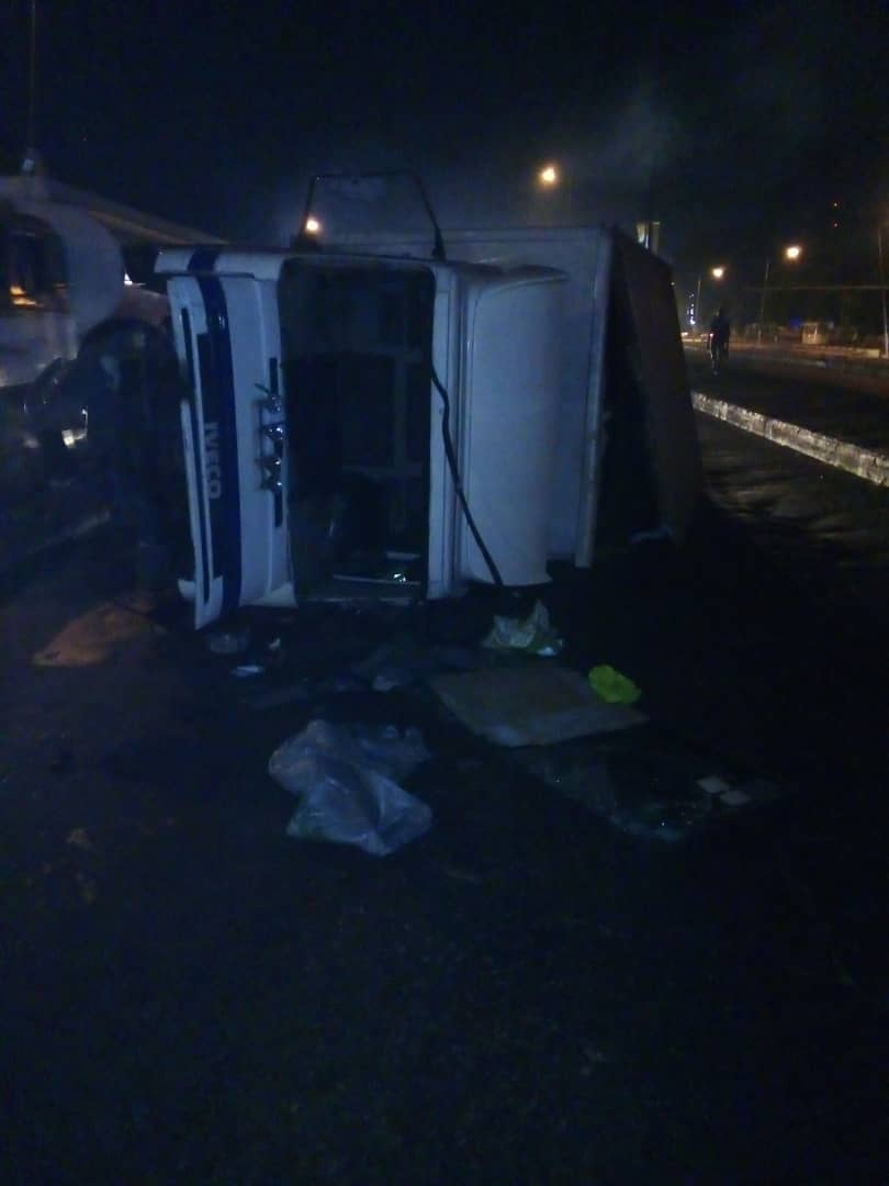 Lone Accident As Truck Two Rear Tyre Pulls Out Of Its Body At Anthony, Lagos
