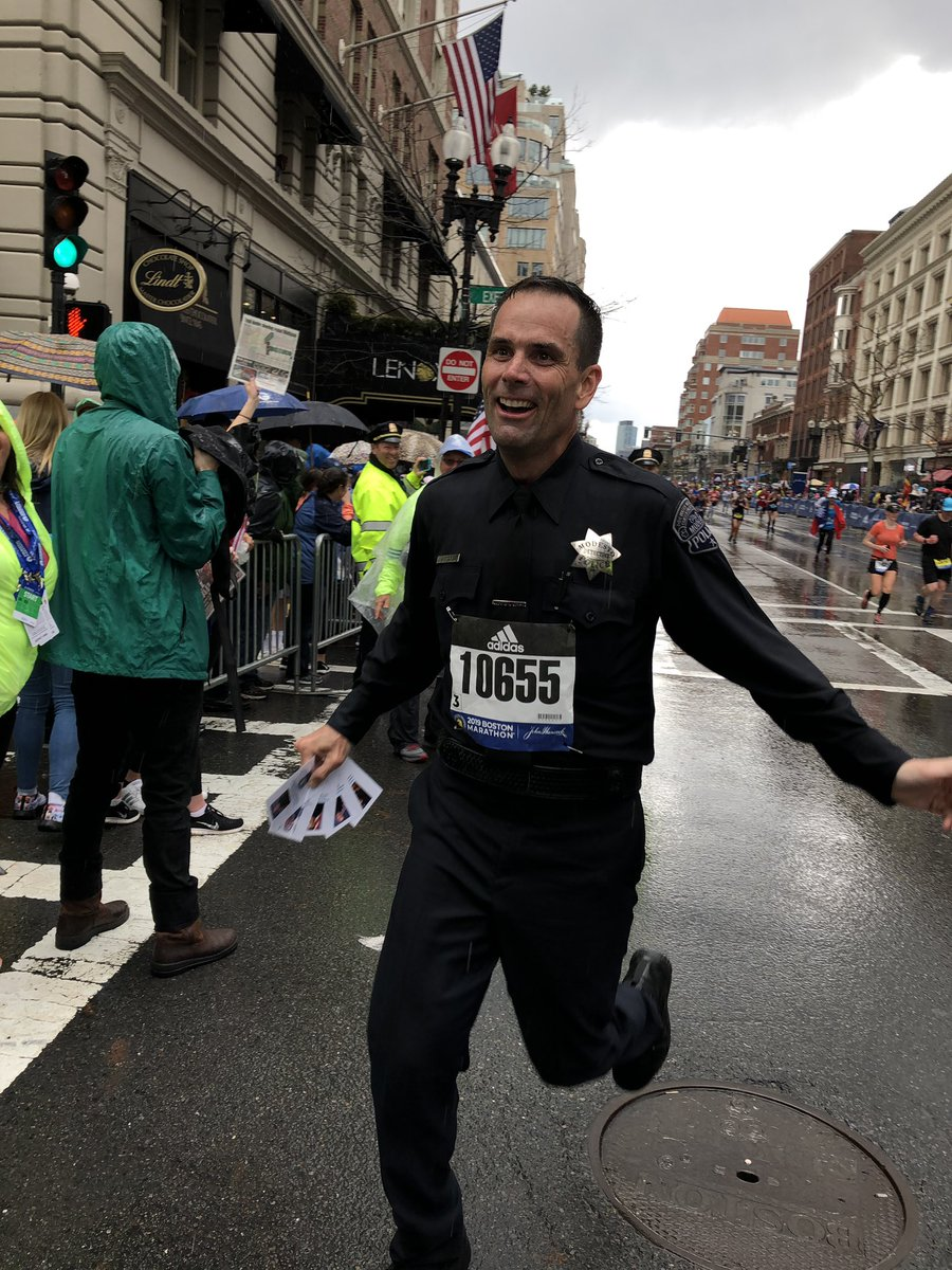 Way to go Detective Sean Dodge on this huge accomplishment.  While running the Boston Marathon in full gear and in the rain, he finished the run in honor of the families of five fallen officers in 4:50:04. Outstanding job Sean! #mpdproud #insidempd #pomg #bostonmarathon2019 <br>http://pic.twitter.com/mgDaiiUOjQ