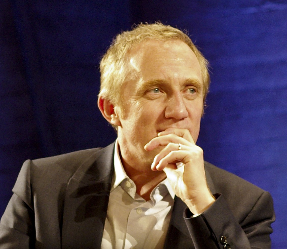 BREAKING: French billionaire François-Henri Pinault pledges immediate 100 MILLION EURO donation to help rebuild Notre-Dame Cathedral. Amazing. 👏👏