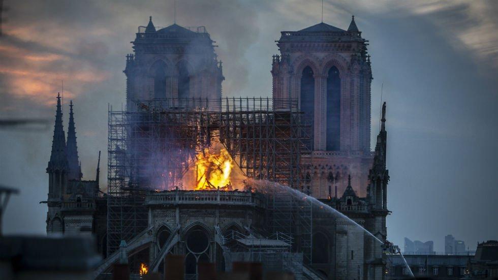 French billionaire pledges €100 million to rebuild Notre Dame https://t.co/tGSzz4Im9H https://t.co/ZZKFxccEa9