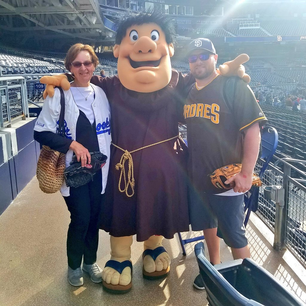 Celebrating my 42nd birthday with the @Padres and my mom on #JackieRobinsonDay! #Jackie42 #Padres<br>http://pic.twitter.com/AtgOII2rEy