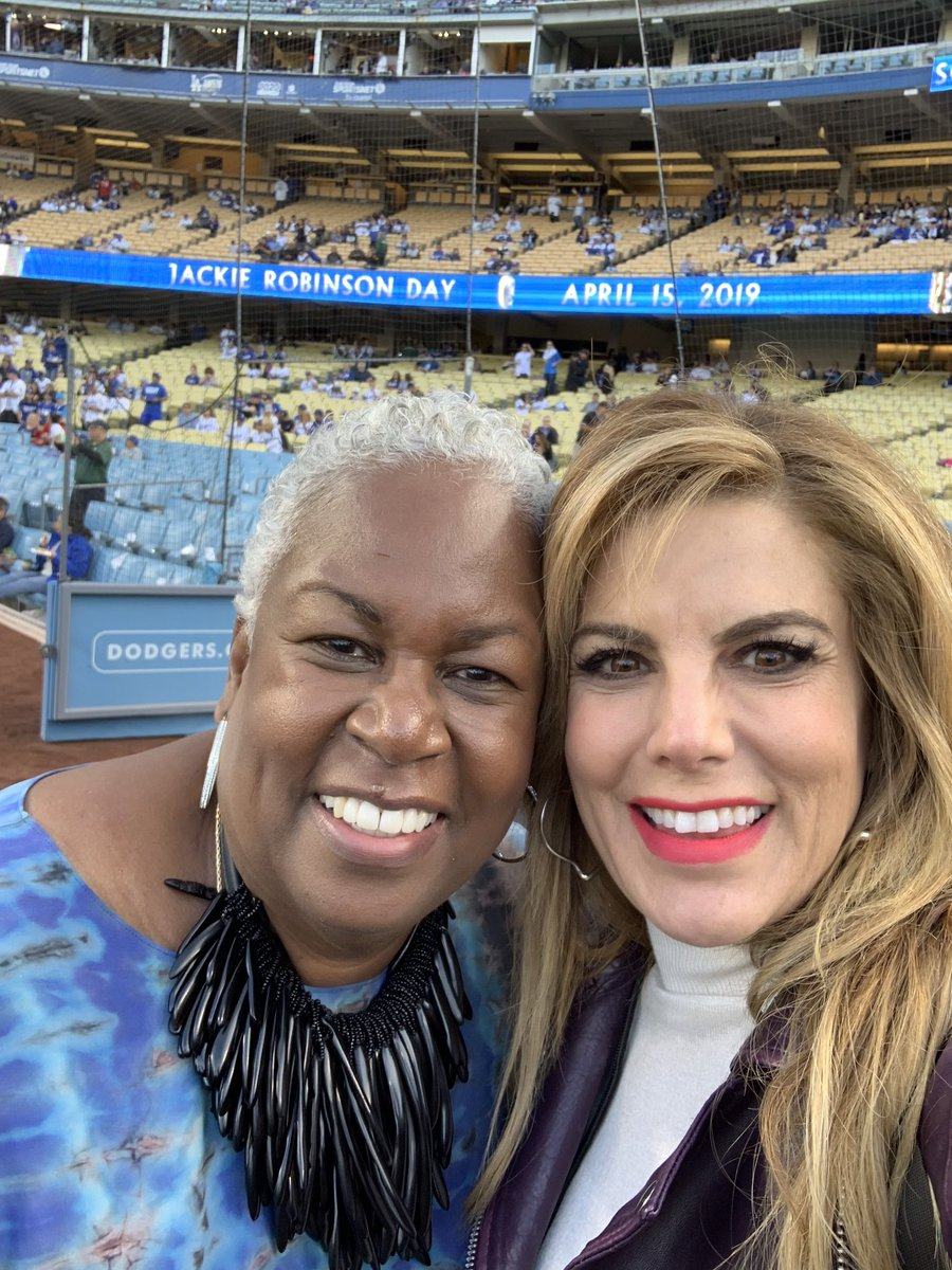 Had the pleasure of talking with Jackie Robinson's daughter Sharon today at Dodger Stadium. #JackieRobinsonDay #42 <br>http://pic.twitter.com/GusdLlFNGV