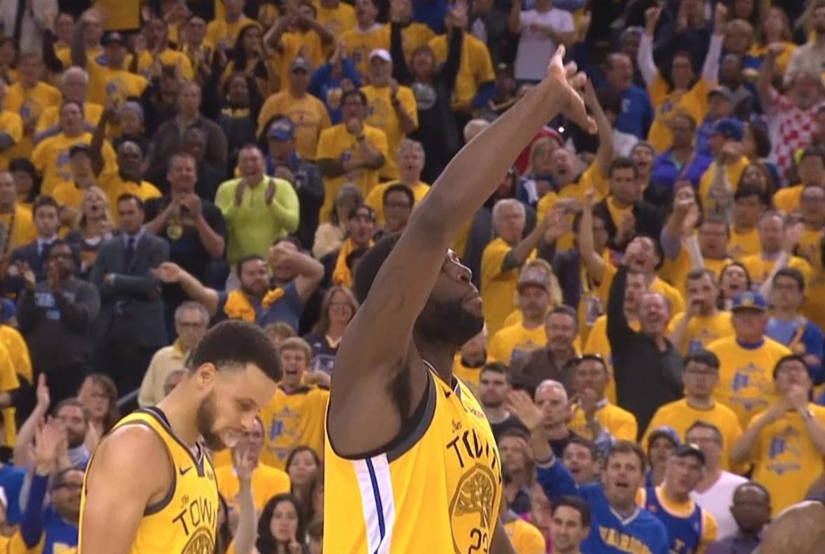 Draymond waved Pat Beverley goodbye after he fouled out of the game 👋