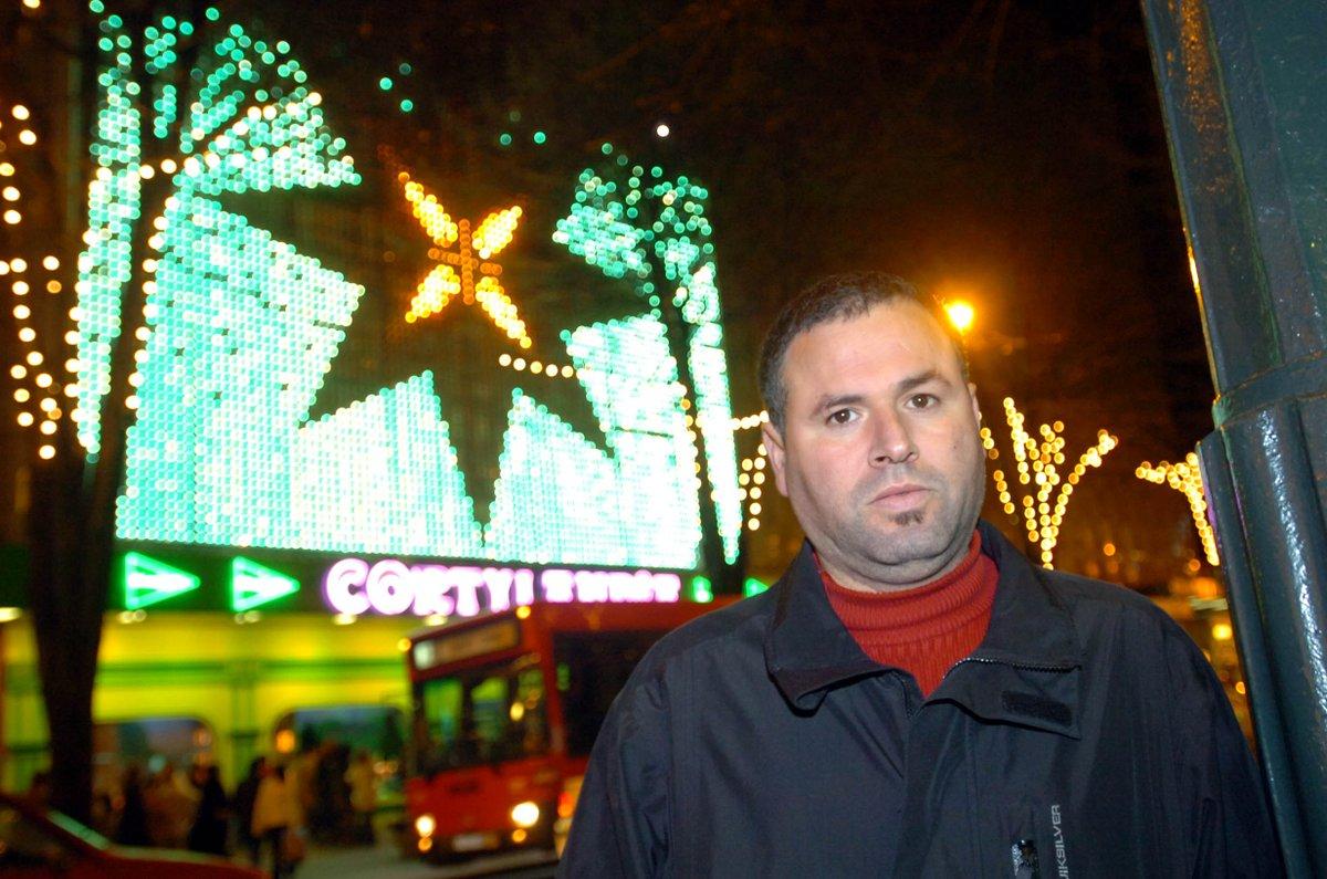 Arrestado al llegar a Marruecos Khalid El Haddadi, activista rifeño que residía en Bilbo https://bilbotarra.naiz.eus/eu/info_bilbotarra/20190416/arrestado-al-llegar-a-marruecos-khalid-el-haddadi-activista-rifeno-que-residia-en-bilbo… El Haddadi, que regenta el Berebar en la calle San Francisco, forma parte de la candidatura al Ayuntamiento de Bilbo de EH Bildu