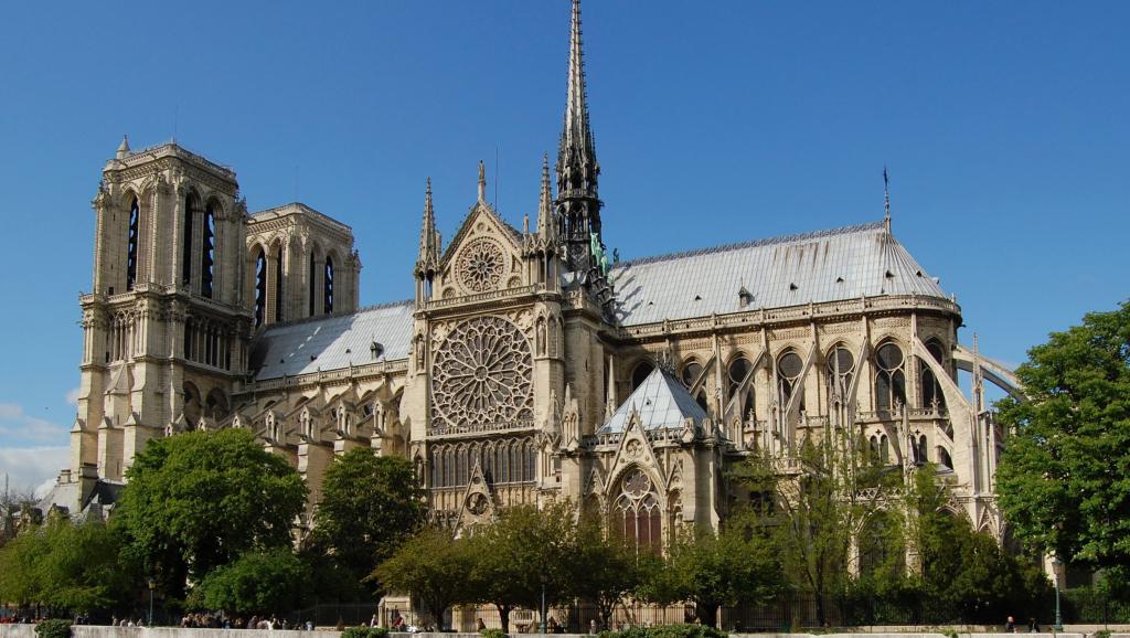 Une pensée pour #NotreDameCathedral de #Paris joyau éternel 🇫🇷🧡🖤...