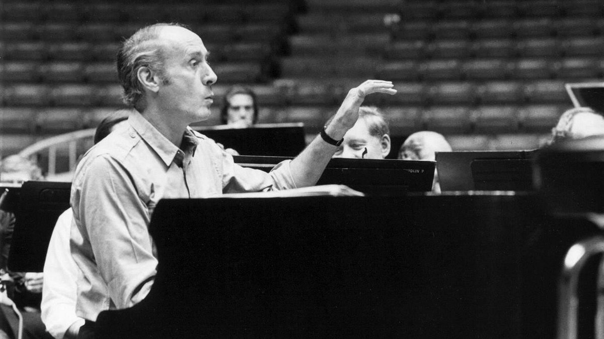 Today for #JazzAppreciationMonth we celebrate American composer, conductor &amp; arranger #HenryMancini! You might know his work from The Pink Panther and Peter Gunn, which won a GRAMMY for Album of the Year. If you have 2 mins, Sarah Vaughan&#39;s cover is    http:// bit.ly/ManciniVaughan PeterGunn &nbsp; … <br>http://pic.twitter.com/GMXfeUC6sf