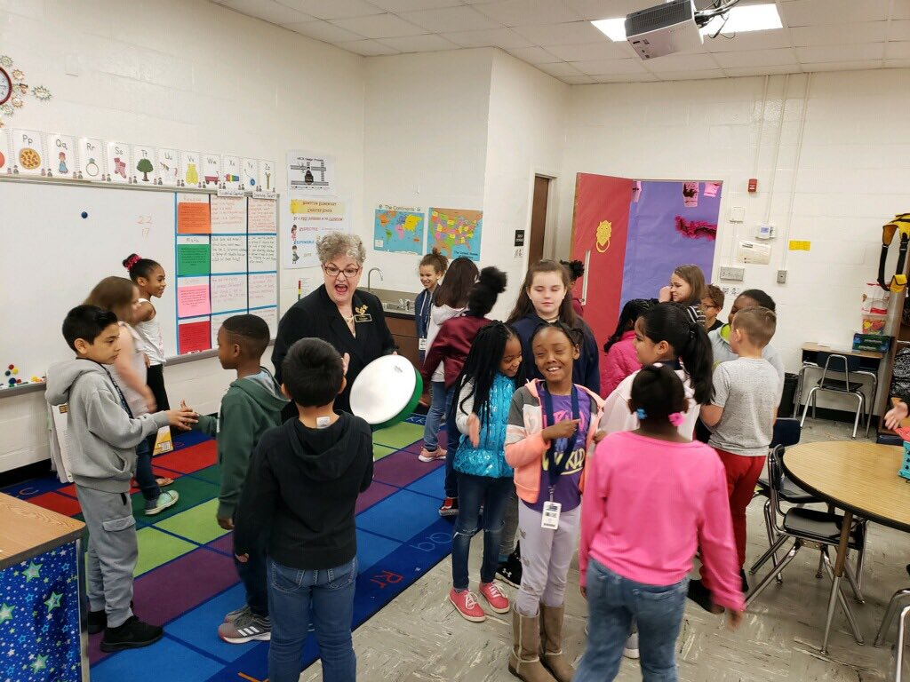 It's a great day at Hampton Elementary School in Henry County Georgia! ArtsNow consultant Darlene Guida demonstrates how to use music to engage, inspire, and motivate students! @HenryCountyBOE @HECS_HCS <br>http://pic.twitter.com/YcoJdIhF9G