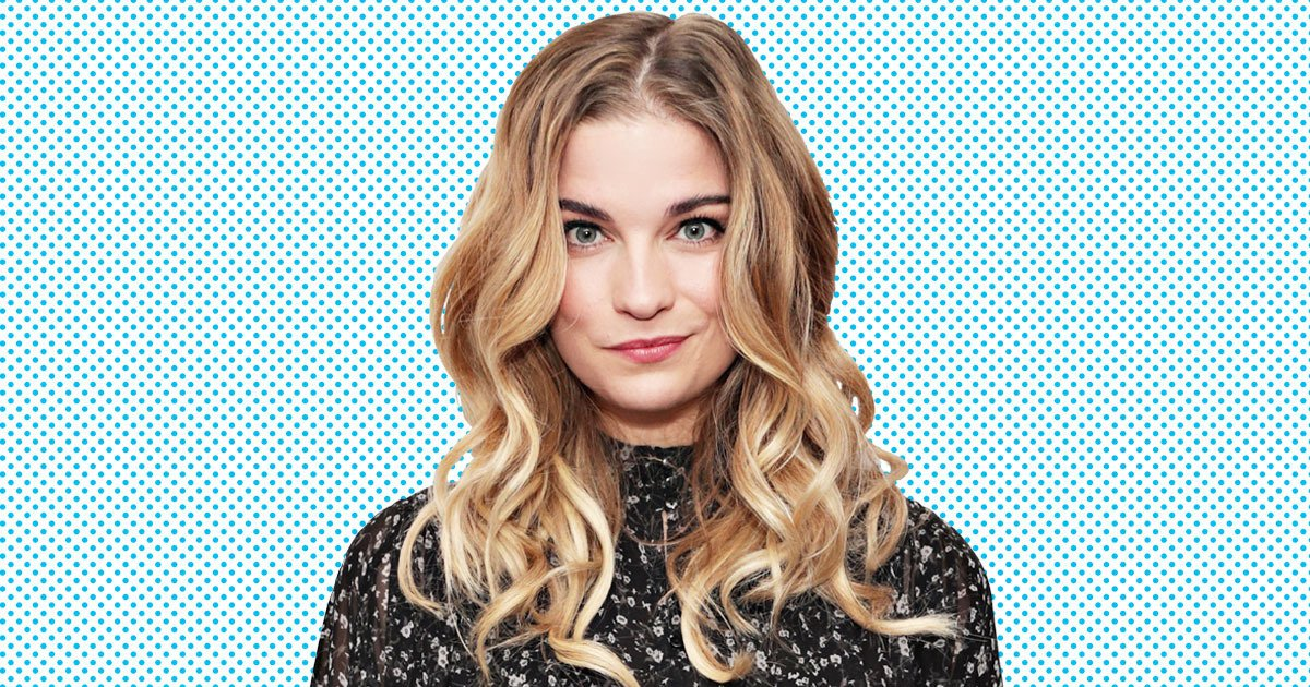 Congratulations to Annie Murphy for winning this year's #TheGracies award for Actress in a Breakthrough Role for her role in @SchittsCreek.  Congrats, @annefrances, @CBC_Publicity & @PopTV!  #SchittsCreek