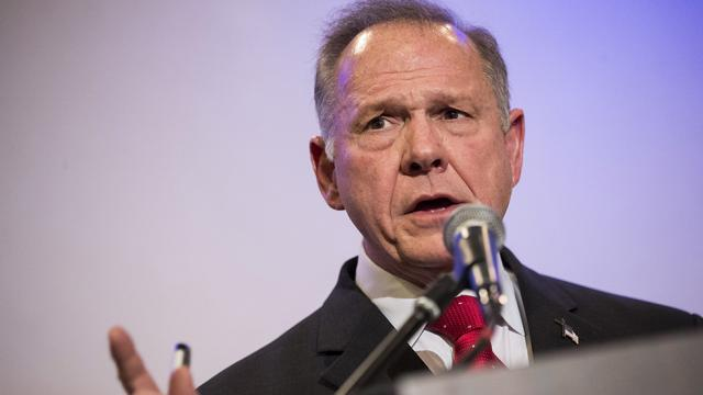 NEW POLL: Roy Moore leading Alabama GOP field http://hill.cm/kBfAMTA