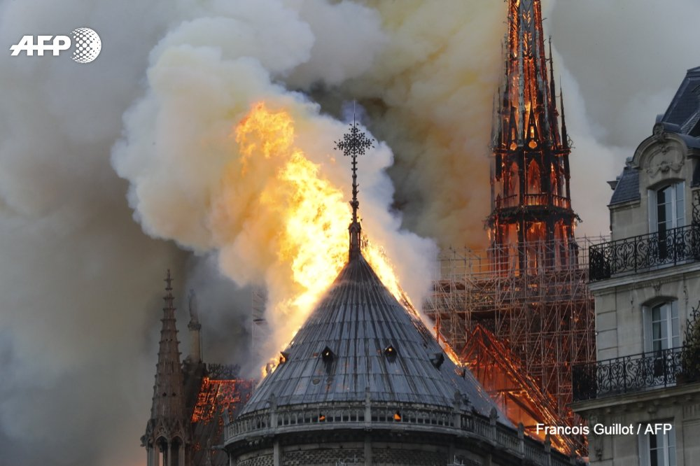 #UPDATE Billionaires and private donors have pledged hundreds of millions of euros to help rebuild Notre-Dame cathedral in Paris after it was devastated by a huge fire.  http:// u.afp.com/JNAq  &nbsp;   #NotreDame   Francois Guillot, @gvanderhasselt, @ludovic_marin<br>http://pic.twitter.com/YojpKdoq7T