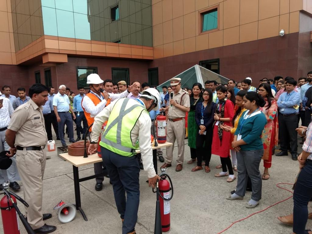 At #IFFCO, safety is our prime concern. Our team conducted a Mock Drill in consultation with #Haryana #Fire Services on evacuation procedures to be taken during any fire emergency in a high rise building in #gurgaon. Almost 1000 employees participated in the awareness drill.