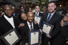"Canada mall security officers honored for ""unselfish assistance"" during mall shooting"
