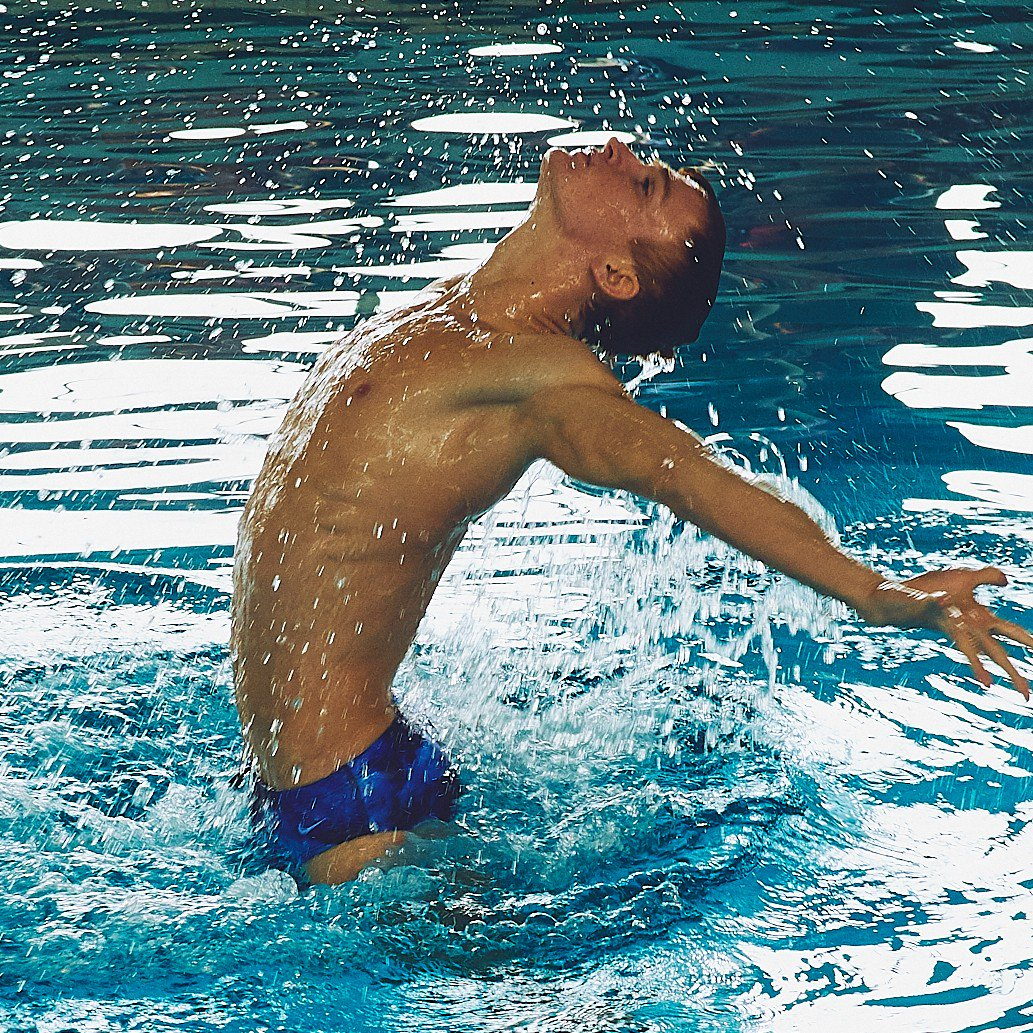 ✊ Russia's first male synchronised swimmer is fighting for gender-equality in the sport.