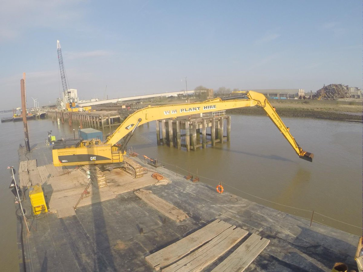 A great #civilengineering project investigating UXO and marine archaeology for the new Tilbury 2 development #dredging #longreach #CAT385 #GPSequipped <br>http://pic.twitter.com/y2rTtEcAm6