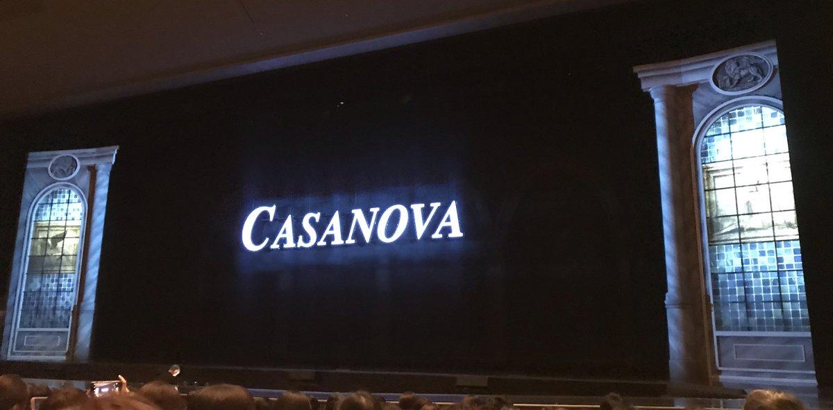 今日はCASANOVAァァアアア!! 諦めてたけど、良いご縁があり、 見れることに٩( ᐛ )و❤︎  しかも席が一桁列!!  フゥゥゥウウウウウ!(歓喜)