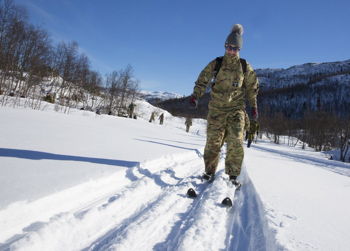 Reservists from over 15 different squadrons & a wide range of trades swapped their civilian jobs to learn how to move & survive in the harsh Norwegian winter, learning skills such as avalanche survival, crossing dangerous ground & first aid.  Read more: http://bit.ly/ExWntMar