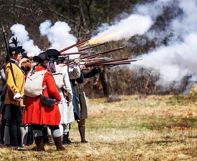 Give them fire! #revolutionarywar #reenactment #musket #patriots https://t.co/LTB0w6KkrM