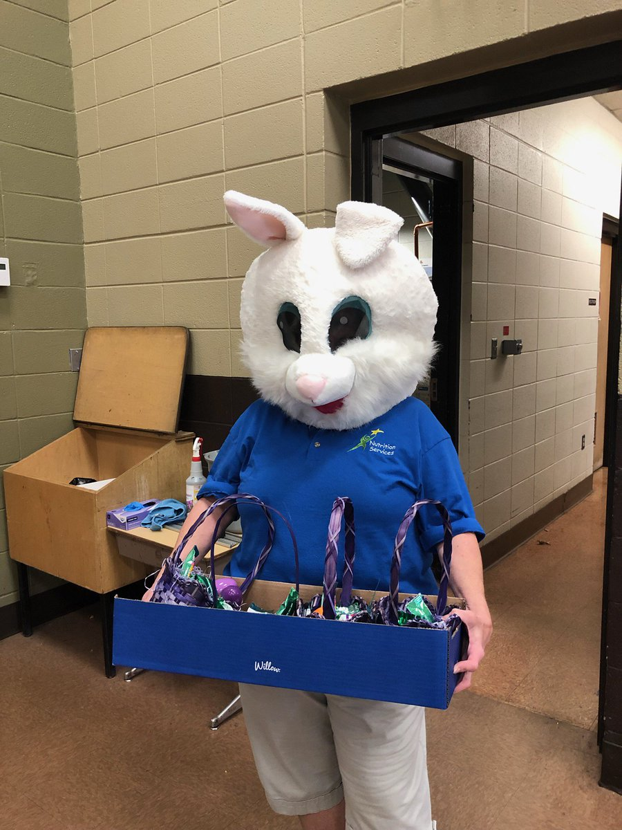 The Easter bunny came to deliver goodies today 😂 #jeffries #lunchladies #havingfun