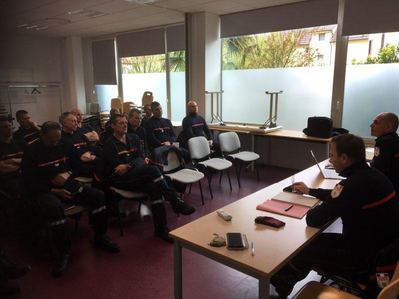 Dans la continuité des visites effectuées en 2018 : la DPOS et de la DMM étaient présentes à la caserne de Villefranche-sur-Saône, afin de faire le point sur les actualités opérationnelles et matérielles, ainsi que pour échanger avec les sapeurs-pompiers de la caserne.