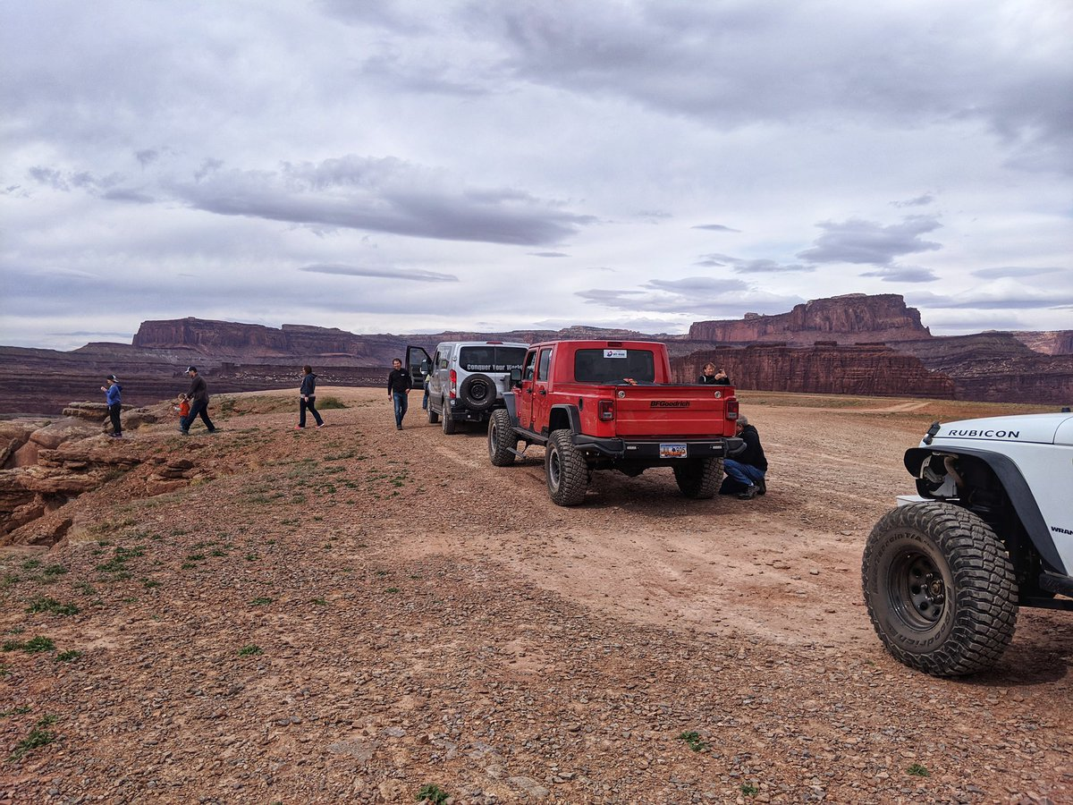 A brief stop on the trails at Thelma &amp; Louise Point with @bfgoodrichtires. #BuiltonBFG #easterjeepsafari #jeepsafari #jeeplife #utah #offroad<br>http://pic.twitter.com/7M3CiAzHkr &ndash; à Thelma &amp; Louise Point