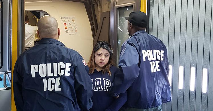 #MAGA #Trump | @ICEgov  #ICYMI: Ecuadorian national removed from US, wanted in home country for fraud https://www.ice.gov/news/releases/ecuadorian-national-removed-us-wanted-home-country-fraud… …  |