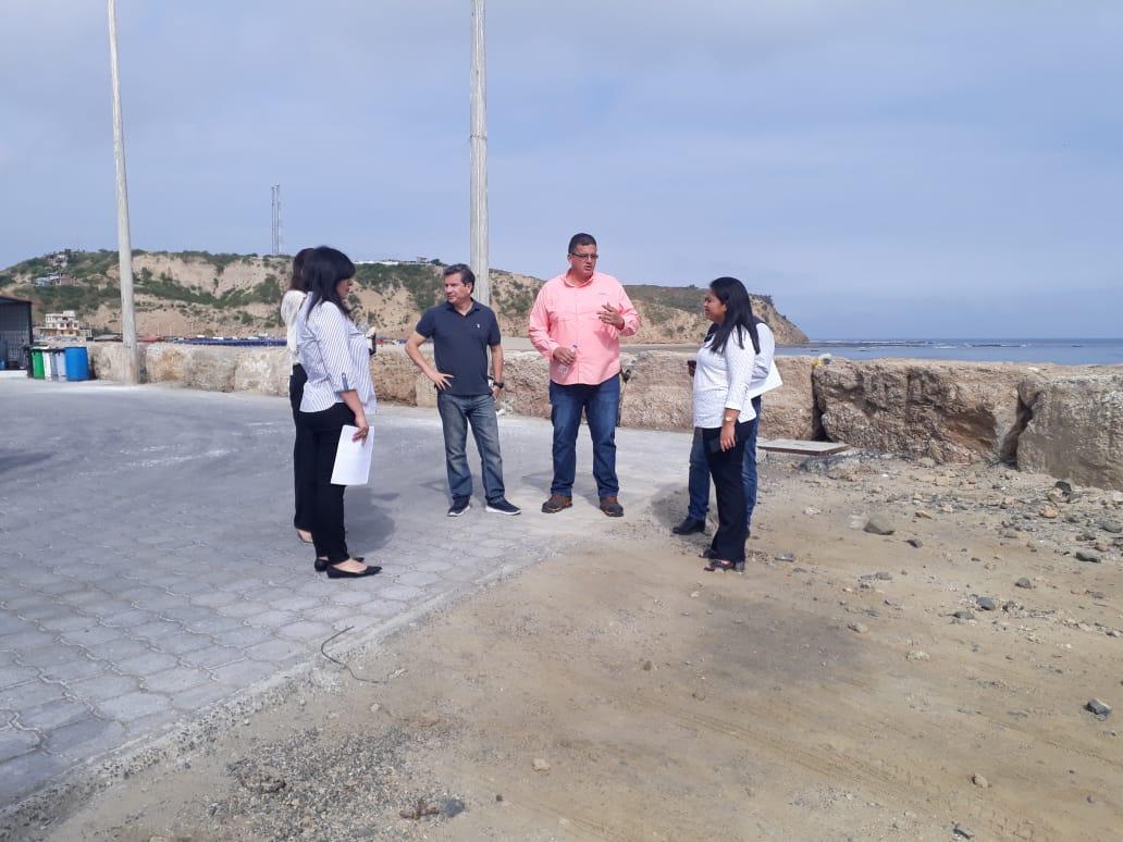 Autoridades de Inmobiliar y @SenpladesEC realizan recorrido por #PPASanMateo en la provincia de Manabí. En este lugar laboran alrededor de 2500 personas y existen 480 embarcaciones, fomentando el desarrollo socio económico de la zona #GobiernoEnAcción.