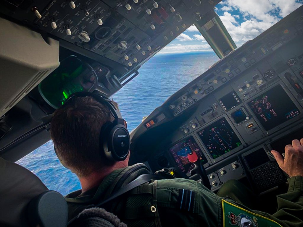 RAF aircrew have commenced the flying phase of training for the new Poseidon MRA Mk1 (P-8A).  They have entered the simulator & flying phase of their six-month course while engineering personnel are progressing with their training in Florida.  Full story: http://bit.ly/P8A0419