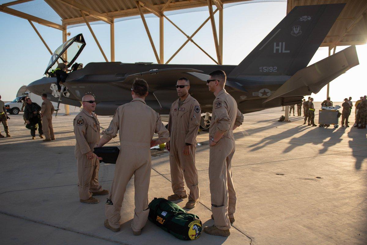 مقاتلات F-35 الأمريكية تصل الإمارات بأول مهمة بالشرق الأوسط D4SdBDXX4AI-aUr