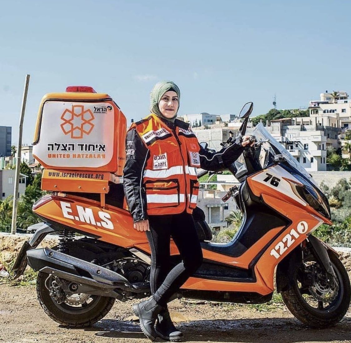 You guys remember Sanaa Mahameed, the first female Muslim volunteer in United Hatzalah, now is  becomes first Muslim woman to ride a medical motorcycle. Congratulations ❤️