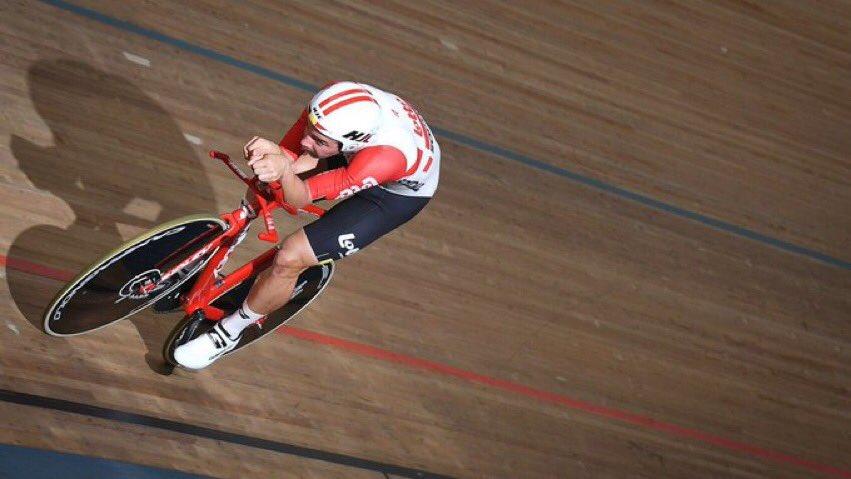 💥🚨 Última hora | ¡Victor Campenaerts🇧🇪 logra batir el Récord de la Hora (55'089 kms)!  ⏱ El anterior récord de Bradley Wiggins🇬🇧 era de 54'526 kms  #UCIHourdRecord