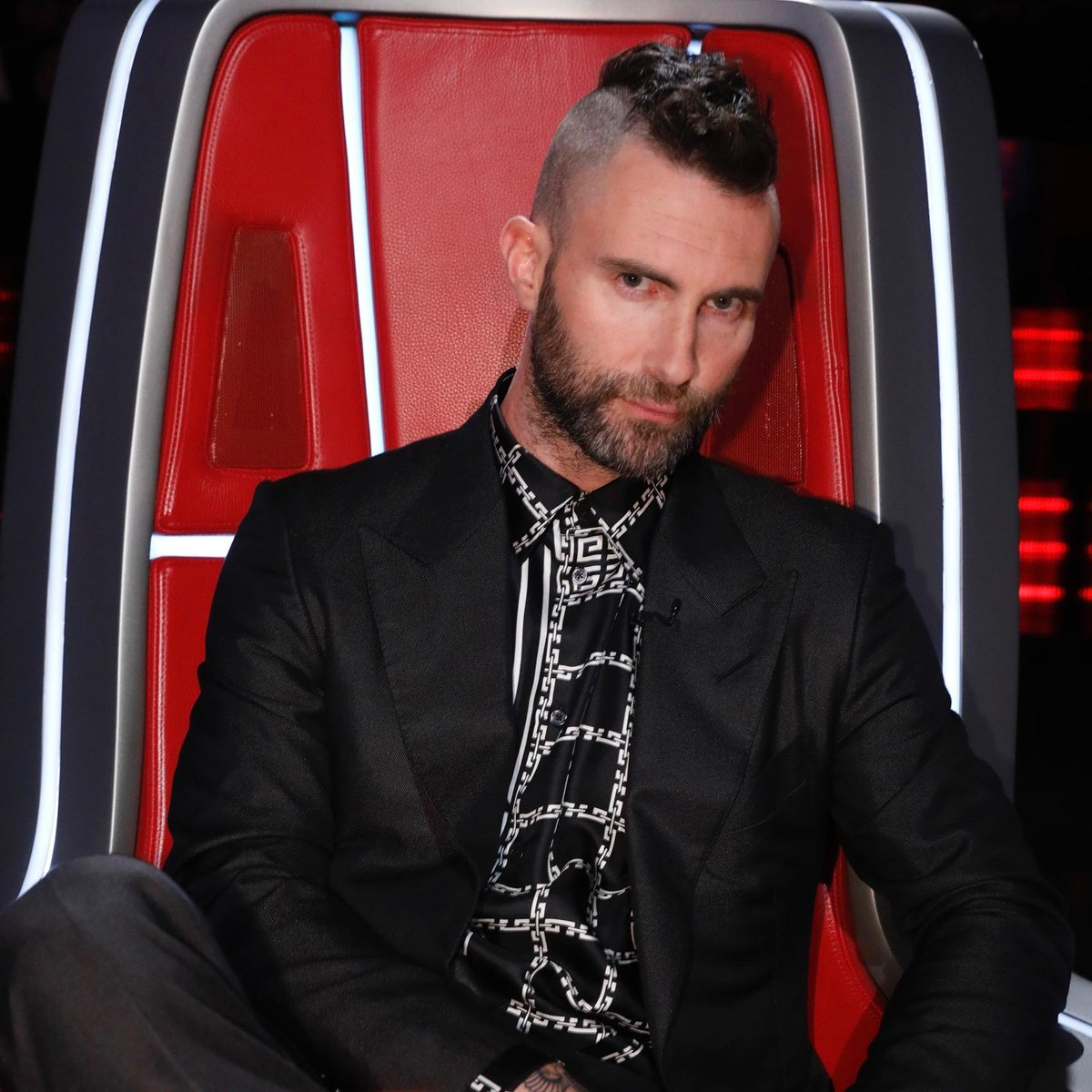 .@adamlevine was born ready.  Join us for #VoiceResults in ONE HOUR! <br>http://pic.twitter.com/v7EBMcgdgh