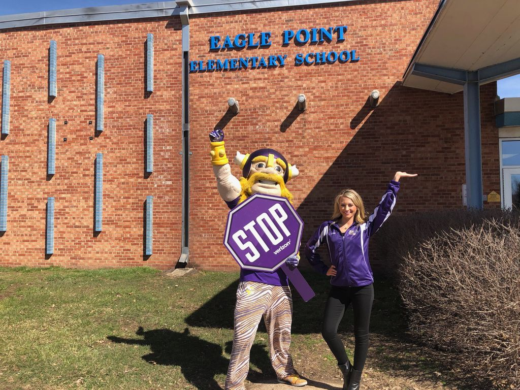 Our latest STOP on our Quest to #STOPBullying was at Eagle Point Elementary! The students there pledged to Stop Bullying! #Skol