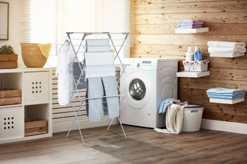 Do you have lots of clothes to dry but are limited on floor space? Look no further than this compact 3-tier drying rack that utilizes vertical space! Find out more: https://t.co/XHgk5vB8aN #spring cleaning #laundry #organization https://t.co/gzN2j6uGv2