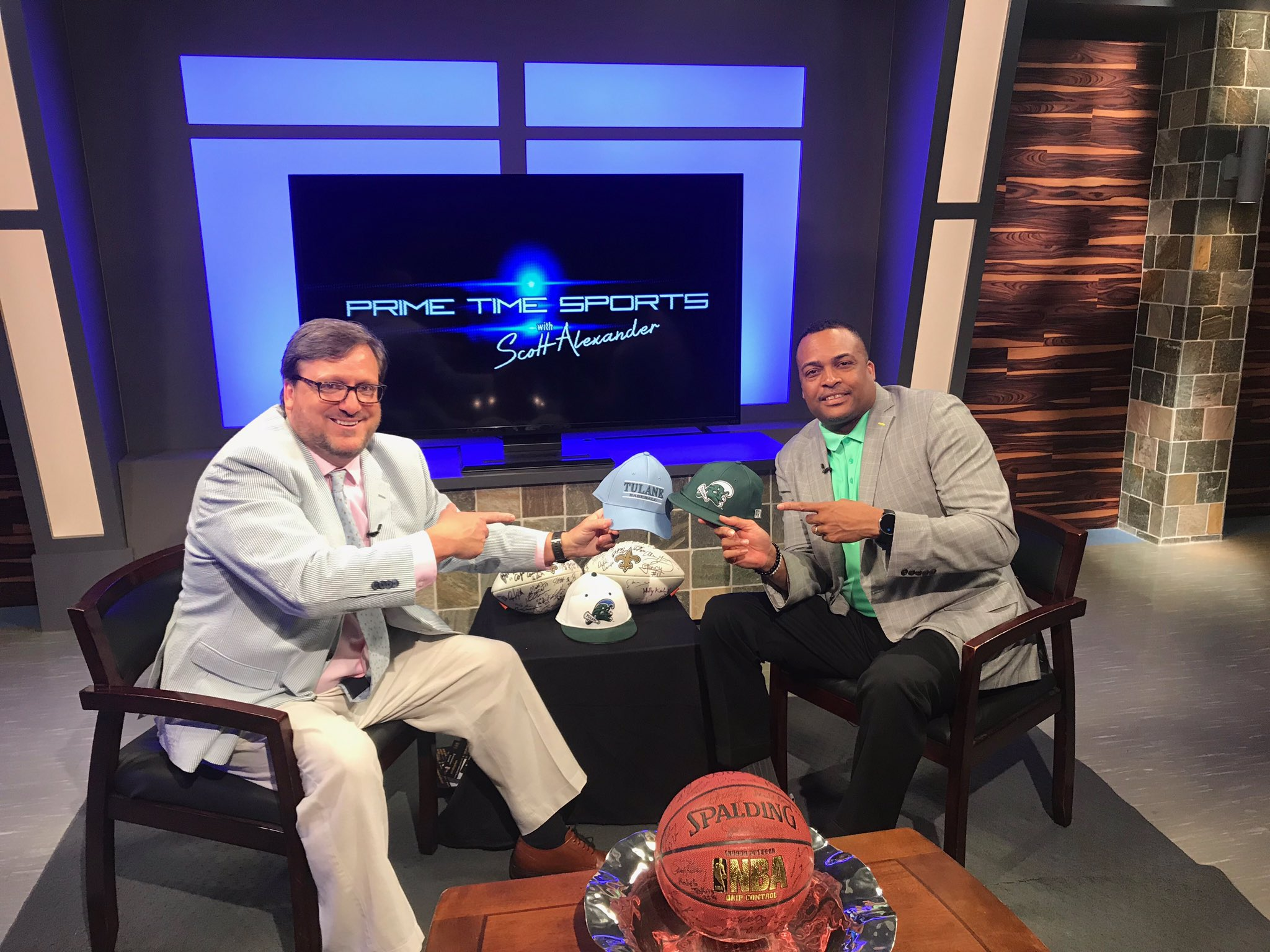Tulane Green Wave NCAA Basketball: Thanks to @DScottAlexander for having @coachrhunter on today's show!   Watch 📺 ton...