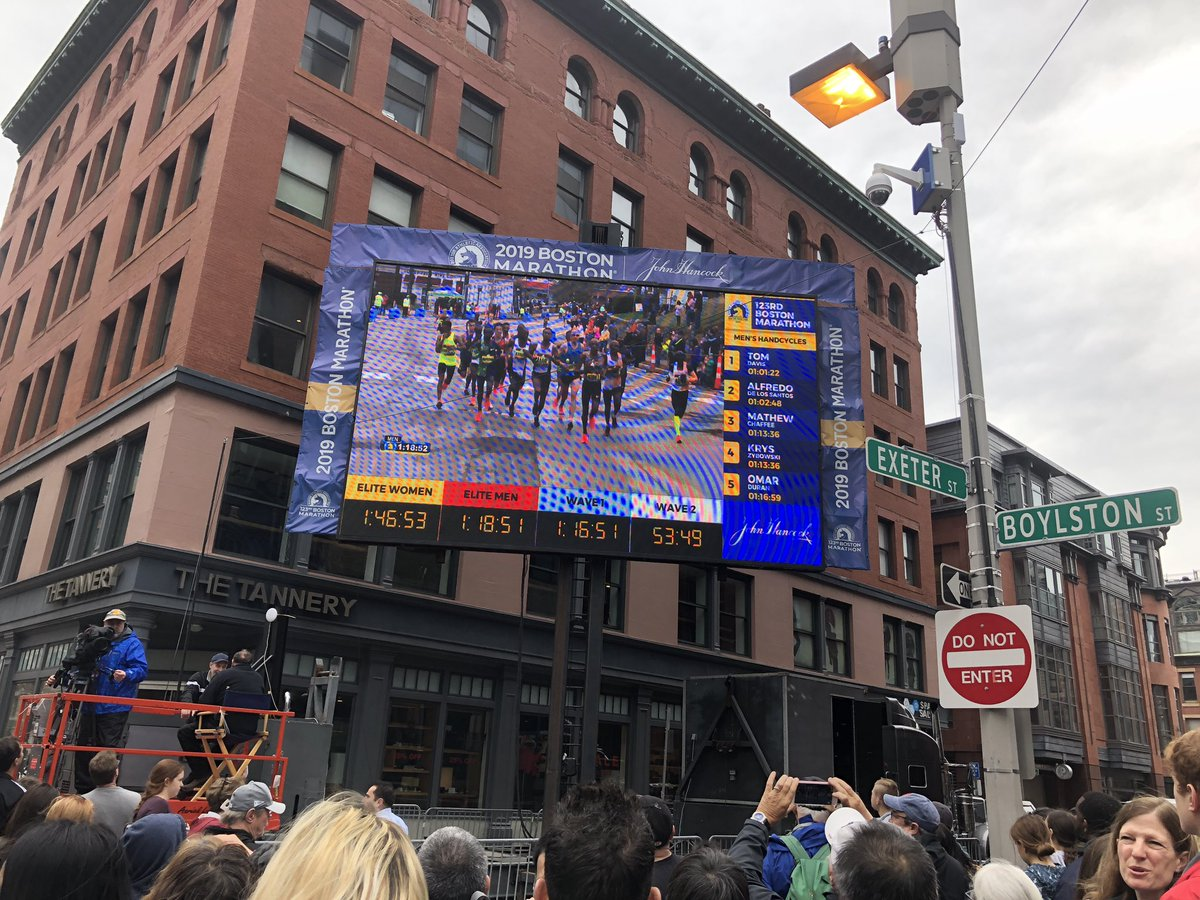 Yesterday was the 123rd #BostonMarathon. Hundreds of hardworking volunteers, first responders, officers &amp; organizers made it a safe and exciting day for everyone who attended. <br>http://pic.twitter.com/92bfpJ1Q9B