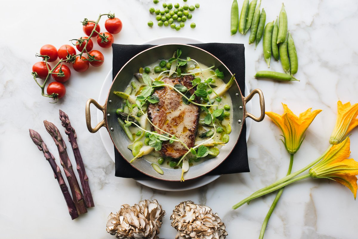 Our slow-roasted Berkshire pork ushers in Spring with tender local asparagus, favas and sweet pea shoots. https://t.co/IwAUoPBng6