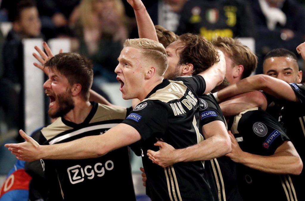 ¡Ajax lo hizo de nuevo! El verdugo de Real Madrid acaba de dejar afuera a la Juventus de Cristiano y es semifinalista de la Champions League. Magallán entró en el complemento; Tagliafico está suspendido. Jóvenes, osados, con fútbol de alto vuelo, los holandeses pisan fuerte.